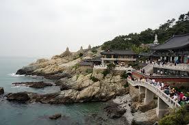 Буддийский храм у моря